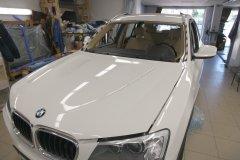Вклейка ветрового атермального стекла на BMW X3