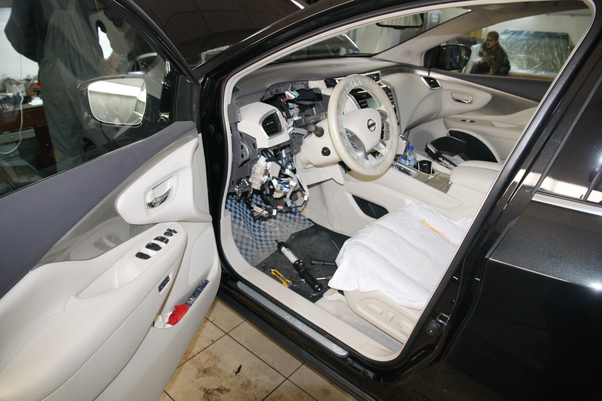 Установка охранного комплекса на Nissan Murano