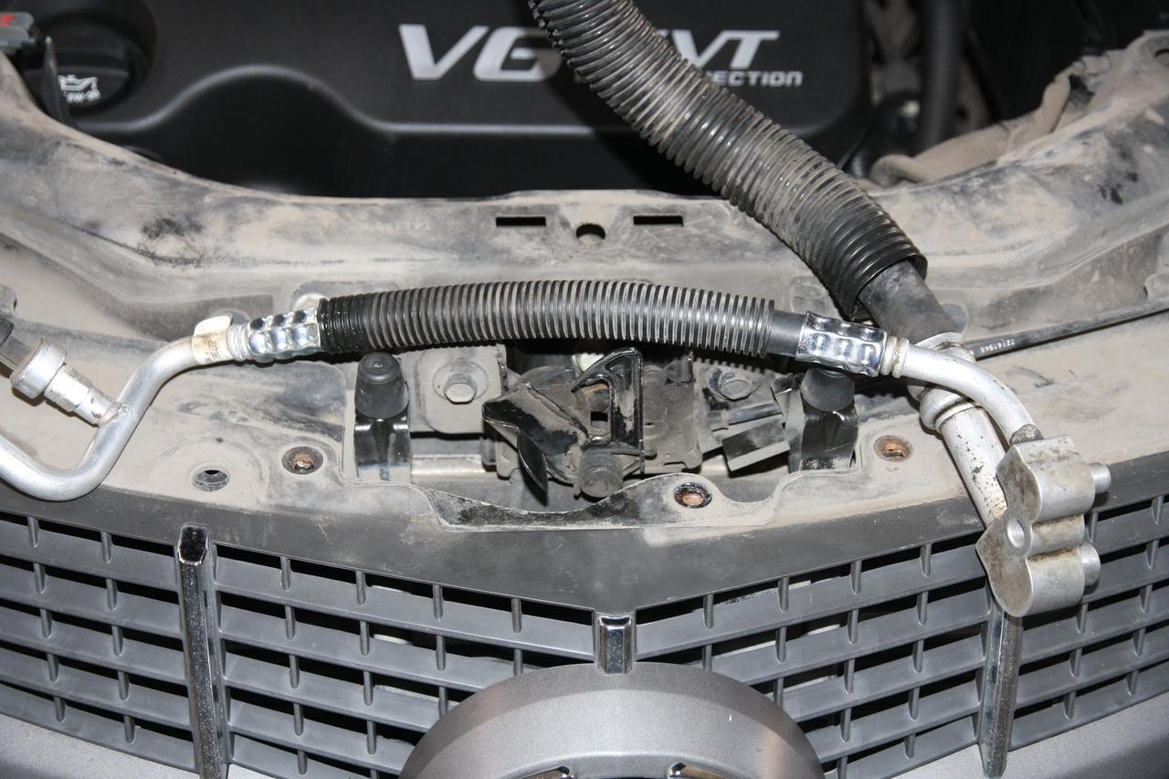 Ремонт шланга высокого давления кондиционера на Cadillac SRX