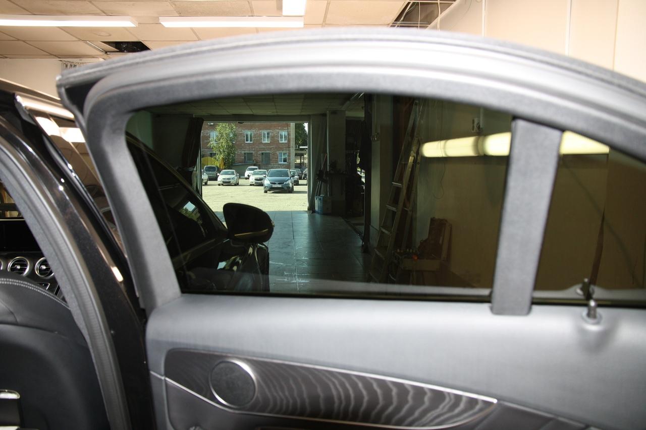 Тонирование стёкол LLumar ATR-15 на Mercedes-Benz С класс