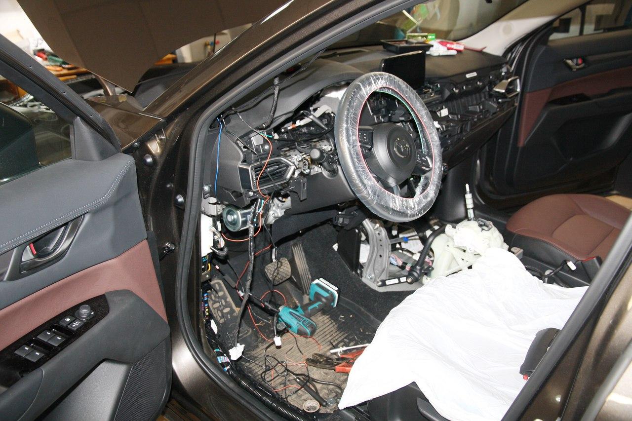 Установка противоугонного комплекса на Mazda CX-5